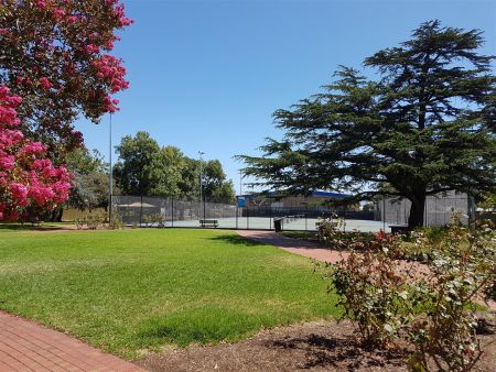 Batchelor Reserve Tennis Courts